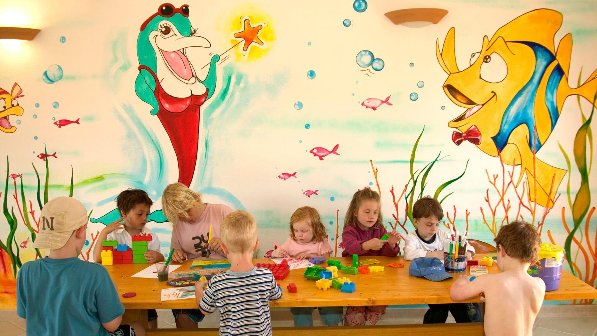 Il migliore hotel per bambini in sardegna e per le vacanze for Wallpaper bambini